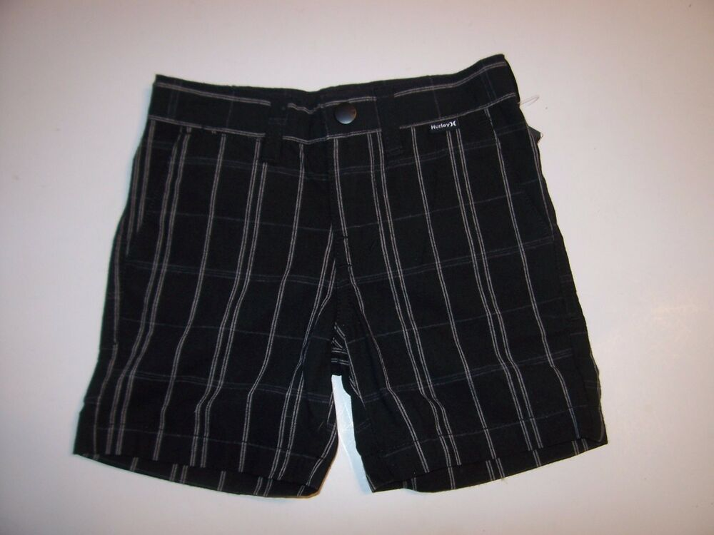 Shorts for Boys. He'll have a leg up on style with boys shorts from Kohl's! When it comes to shorts for boys, our selection is second to none. Your little all-star will love the complete line of boys' athletics shorts at Kohl's, including many styles of boys' Nike liveblog.ga when he needs to go from the court to the classroom, our line of boys' khaki shorts steps up to the plate.
