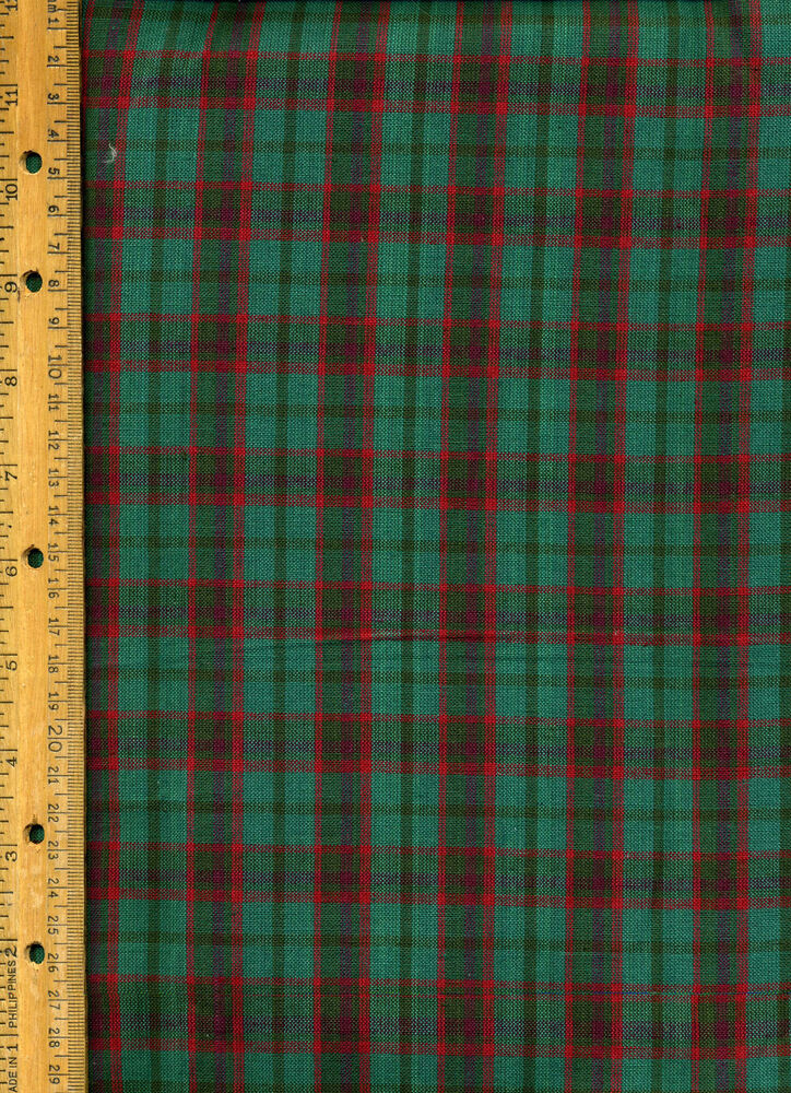 Quilt Patterns For Homespun Fabric : Red Green Plaid Homespun Christmas Quilt Quilting Fabric by half yard eBay