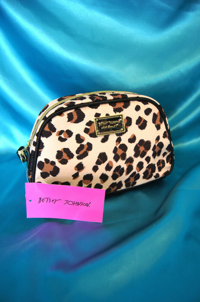 betsey johnson make up bag leopard large loaf travel cosmetic case nwt cute ebay. Black Bedroom Furniture Sets. Home Design Ideas
