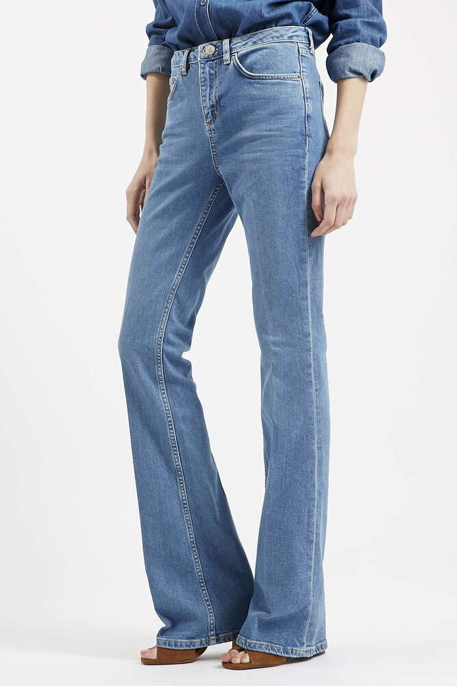 Jeans Size Charts: THIS is How Jeans Fit Perfectly! For Men & Women. On this site, you find a how-to guide to measure your jeans size and many easy to use jeans size charts for US, European and International jeans sizes.