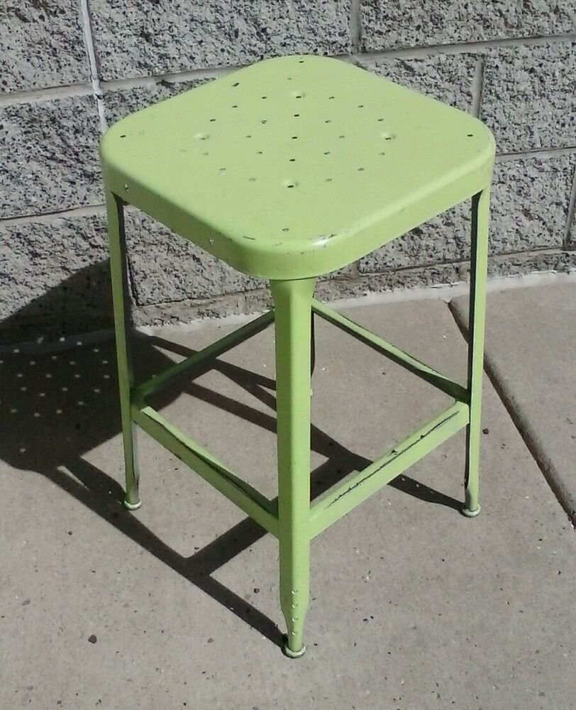 Vintage Lyon Square Welded Metal Stool 24 Quot Tall 14 Quot Square