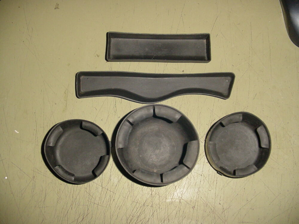 02 03 04 05 06 07-09 Chevy TrailBlazer Rubber Console Set Cup holder Inserts 5pc | eBay