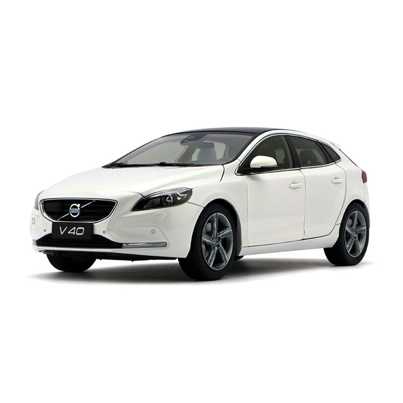 ORIGINAL MODEL 1:18 VOLVO V40 2016,WHITE