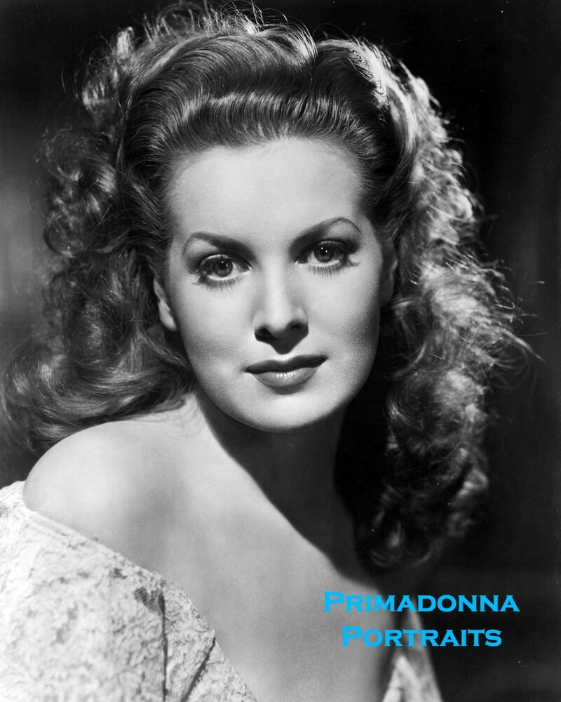 Details about MAUREEN O'HARA 8X10 Lab Photo B&W 1940's Sexy Busty Brunette  Curly Hair Star