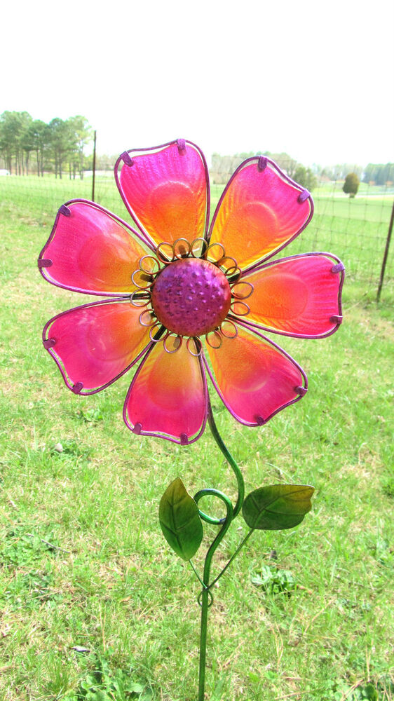 Flower yard stake pink lawn garden decor metal and glass for Flower garden ornaments