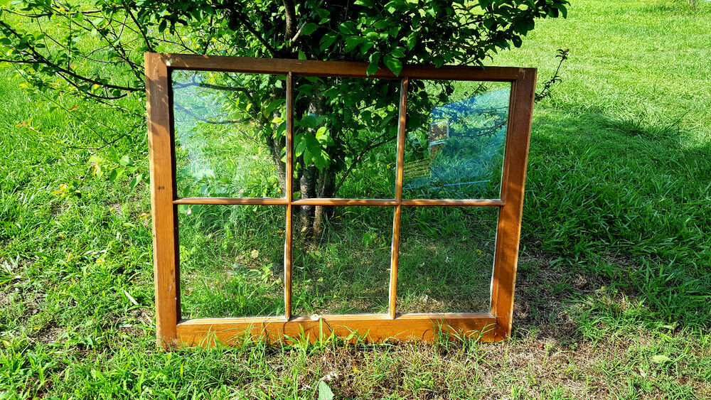 how to build a wood frame for a window pane