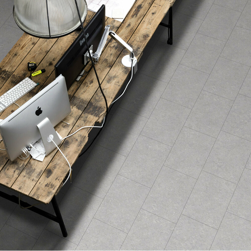 Grey slate tile effect vinyl flooring kitchen bathroom for Vinyl floor tiles in bathroom