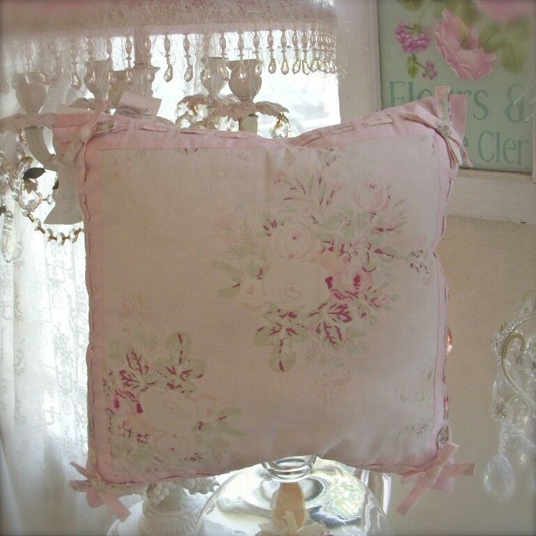 rachel ashwell shabby pink roses bow chic cushion for couch bed or wicker chair ebay. Black Bedroom Furniture Sets. Home Design Ideas