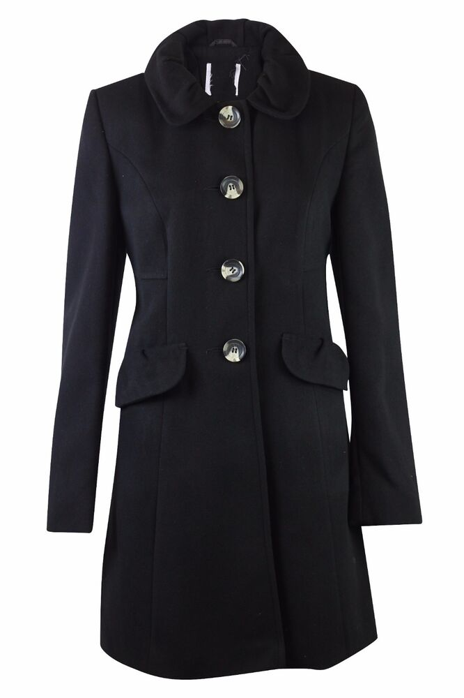 Smart Winter Coats for Women Just because you need to bundle up, doesn't mean you can't look sophisticated. You'll find plenty of sharp and structured jackets in our range, perfect for keeping warm without cramping your style.
