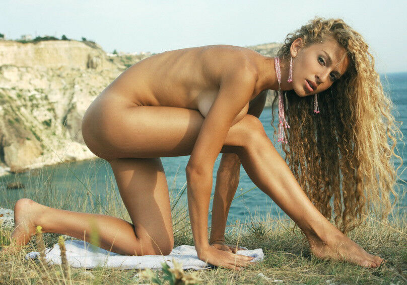 blonde erotic masterpiece photography