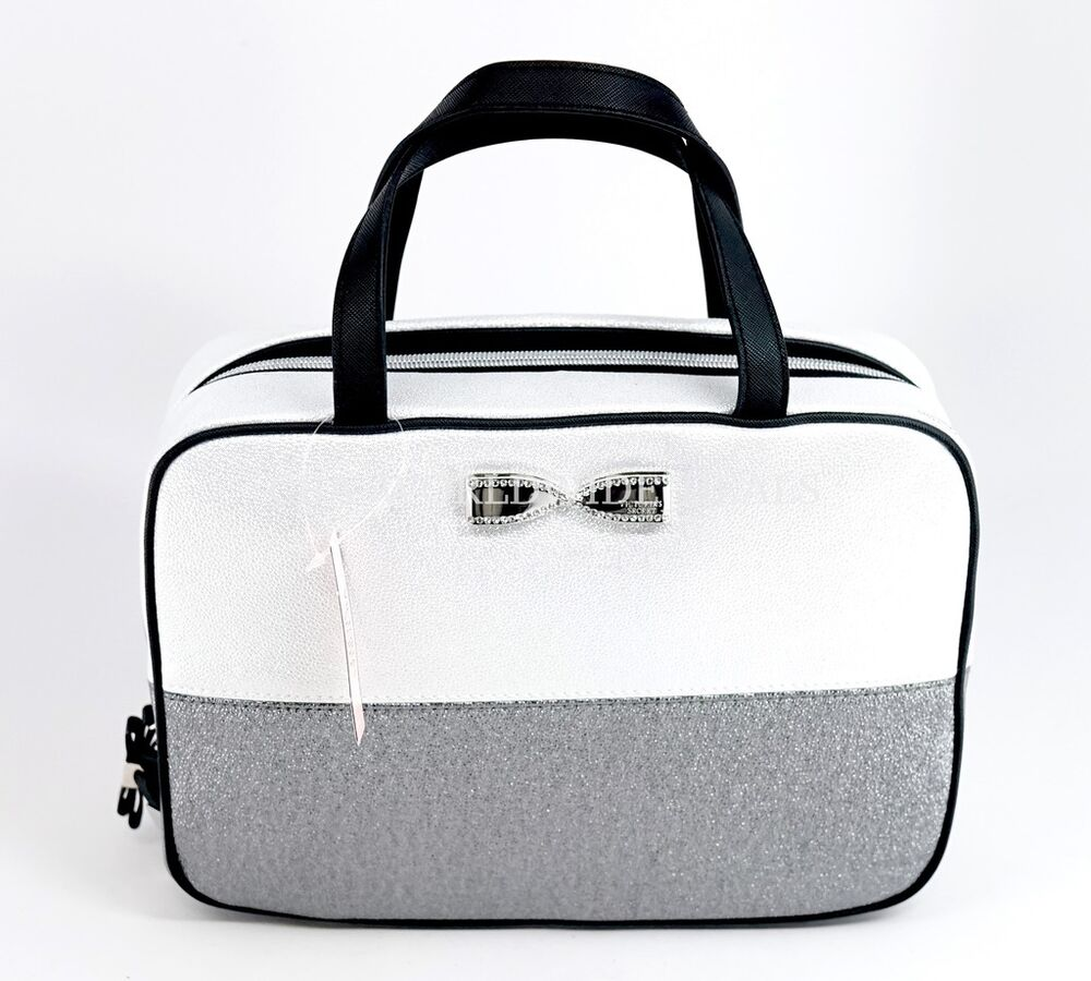 Victoria Travel Bags
