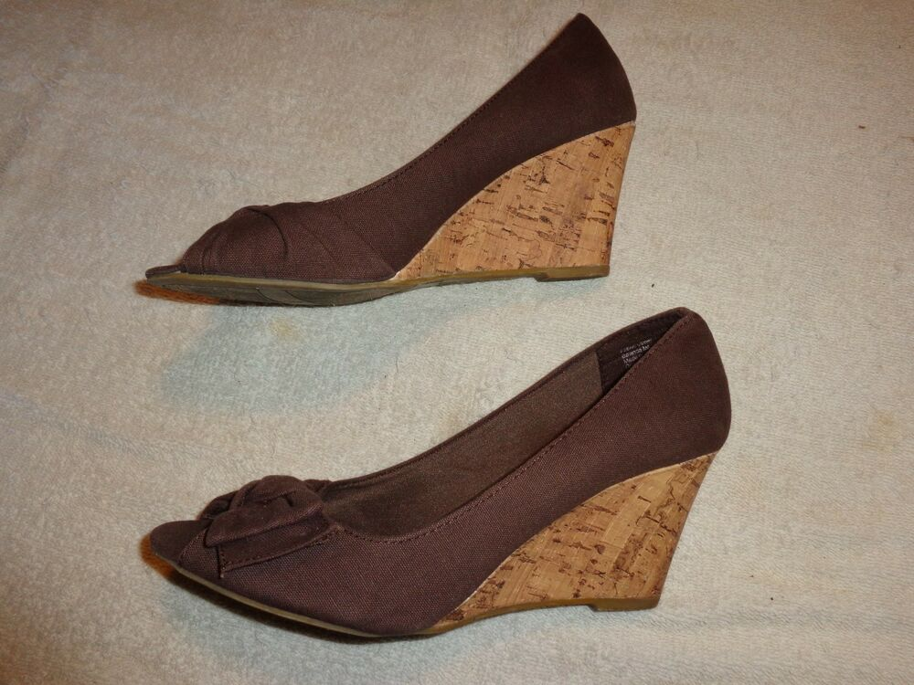 American Eagle Outfitter Brown Shoes Women S Size 7 1 2 3
