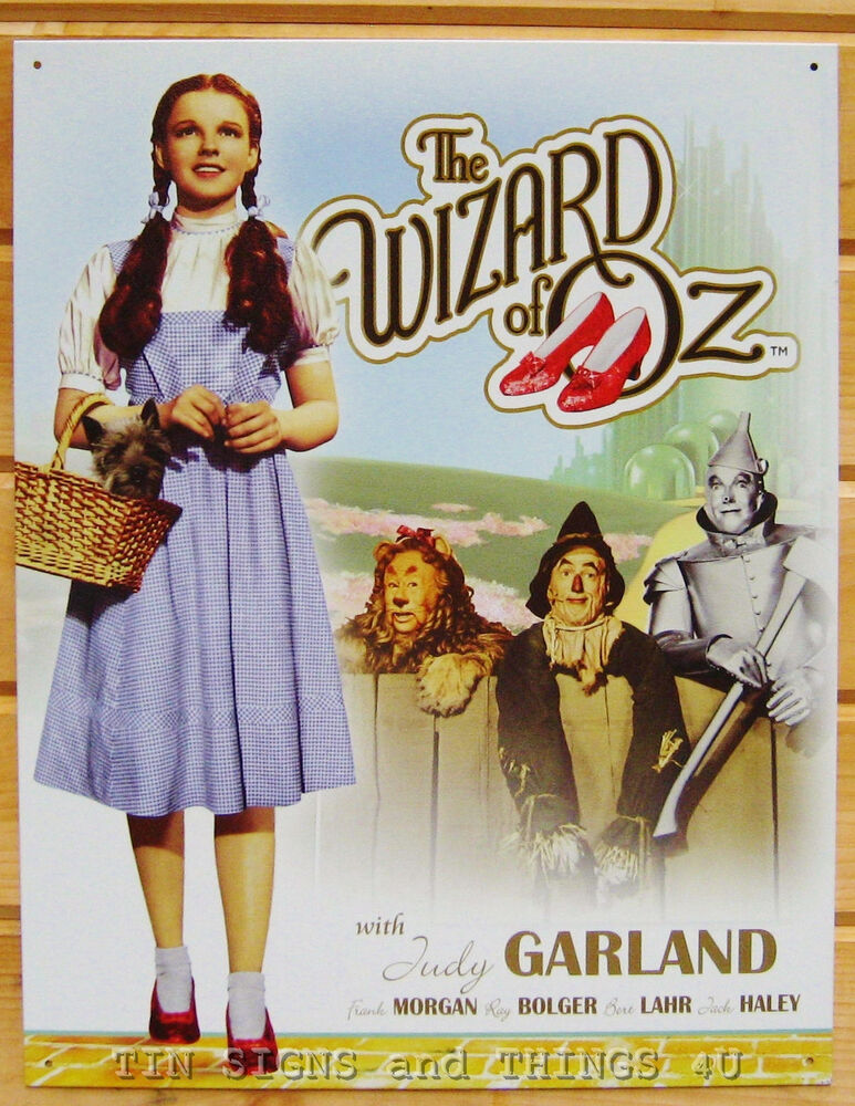 a look at the development of the character of dorothy in the movie the wizard of oz The only other powerful character to emerge is dorothy  so i decided to look  while there's not a single thing wrong with or about the movie the wizard of oz.