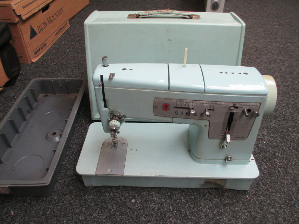 Electrical Sewing Machine : Vintage retro electric singer sewing machine model