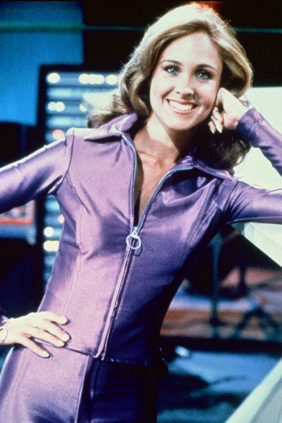 Buck Rogers In The 25th Century Erin Gray 11x17 Mini Poster Ebay