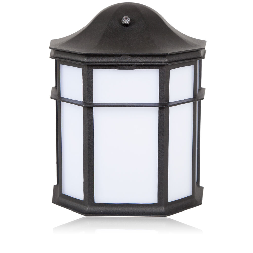Backyard Patio Privacy White Accent Wall Lighting: Maxxima Decorative Outdoor LED Wall Pack Light With Dusk
