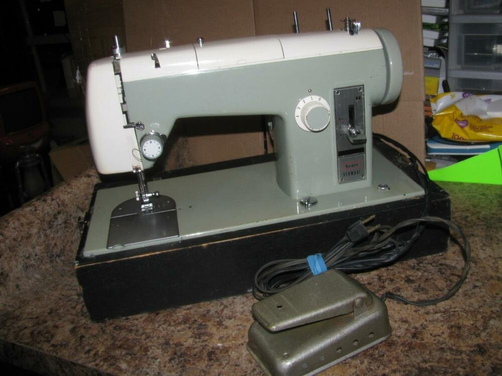 Vintage Sears Kenmore Sewing Machine Model 4040 As Is For Parts Magnificent Bobbins For Kenmore Sewing Machine