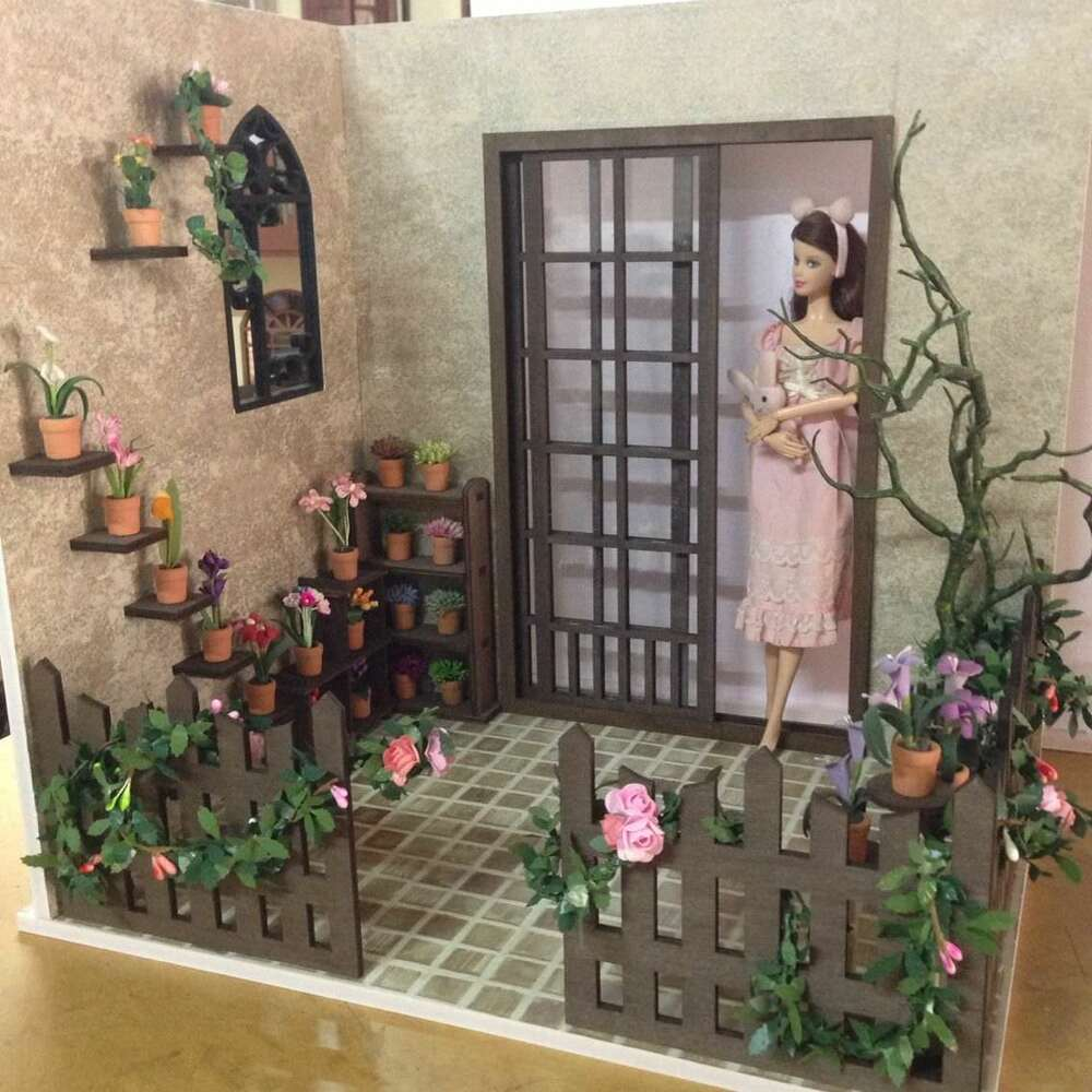 Barbie Bedroom In A Box: Doll House Room Box Flagged Yard C
