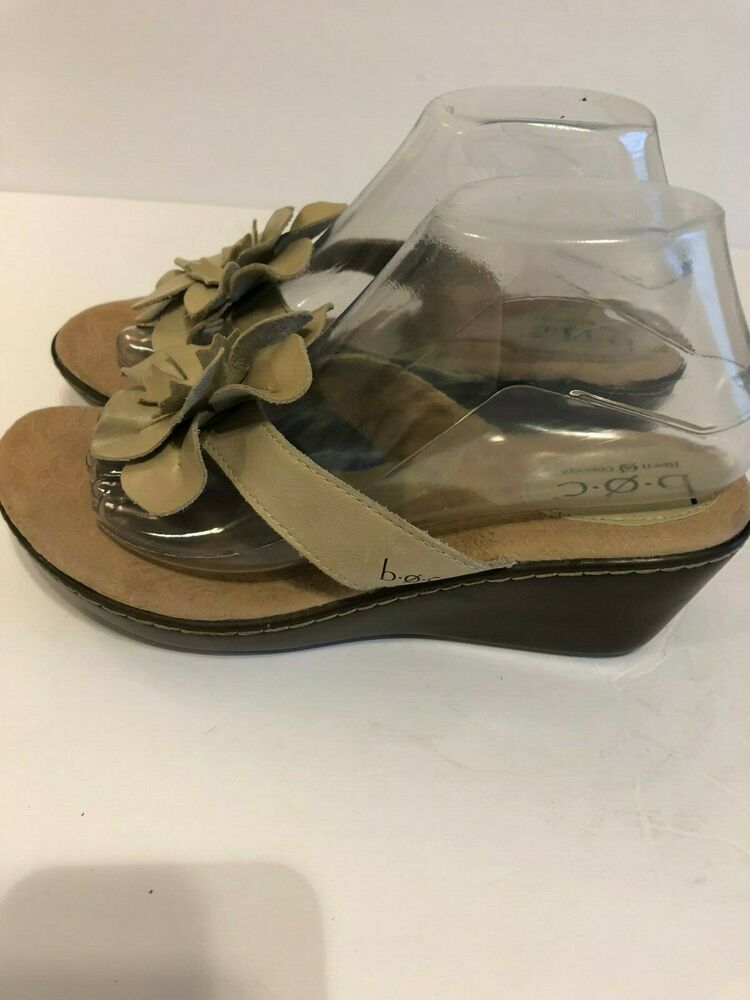 a43f10ca575b Details about BOC BORN Womens Size 8 M Beige Leather Flower Wedge Thong Slip  On Sandals
