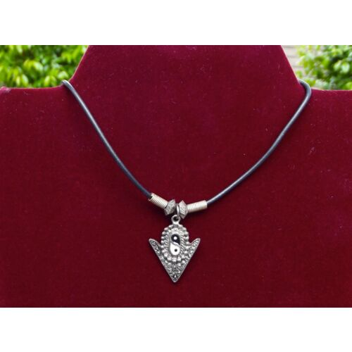 yin-yang-pewter-arrow-head-necklace-roughly-17-inches-made-in-maui-