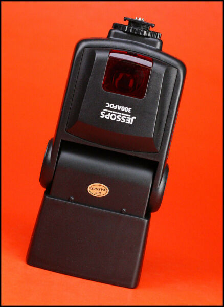Jessops 300 AFD C  Digital Speedlite Flash Unit / Flashgun -  for Canon DSLR's