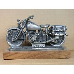 """Harley Davidson """"Chronicles Of A Legend"""" Traveling Museum Book 99609-TM XLCR XR"""