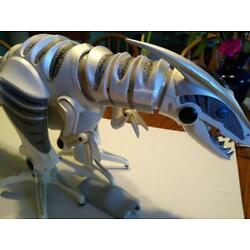 Kyпить Wow Wee 2005 RoboRaptor Robot With Remote Control - Tested & Works на еВаy.соm