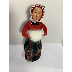 Byers Choice Carolers Lady With Fur Hand Muff Red Green Plaid Skirt 1995 50/100