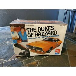 The Dukes Of Hazzard GENERAL LEE Model Kit 1:25 Scale AMT 1997 Dodge Charger