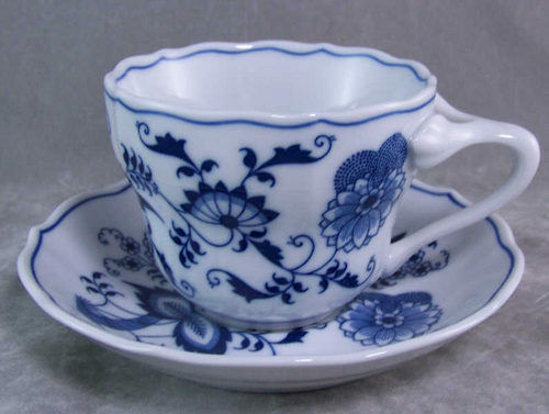 Blue Danube Japan Cobalt Blue Onion Teacup Cup Saucer Ebay