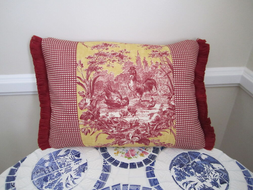 Accent pillow la petite ferme red yellow gold french - La toile aubiere ...