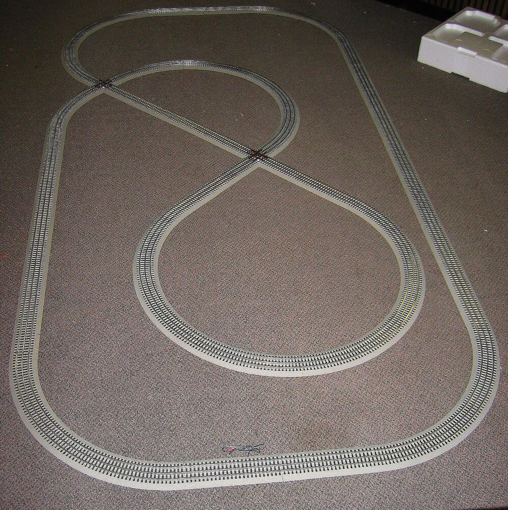 lionel train deluxe fastrack pack 5x10 feet layout display