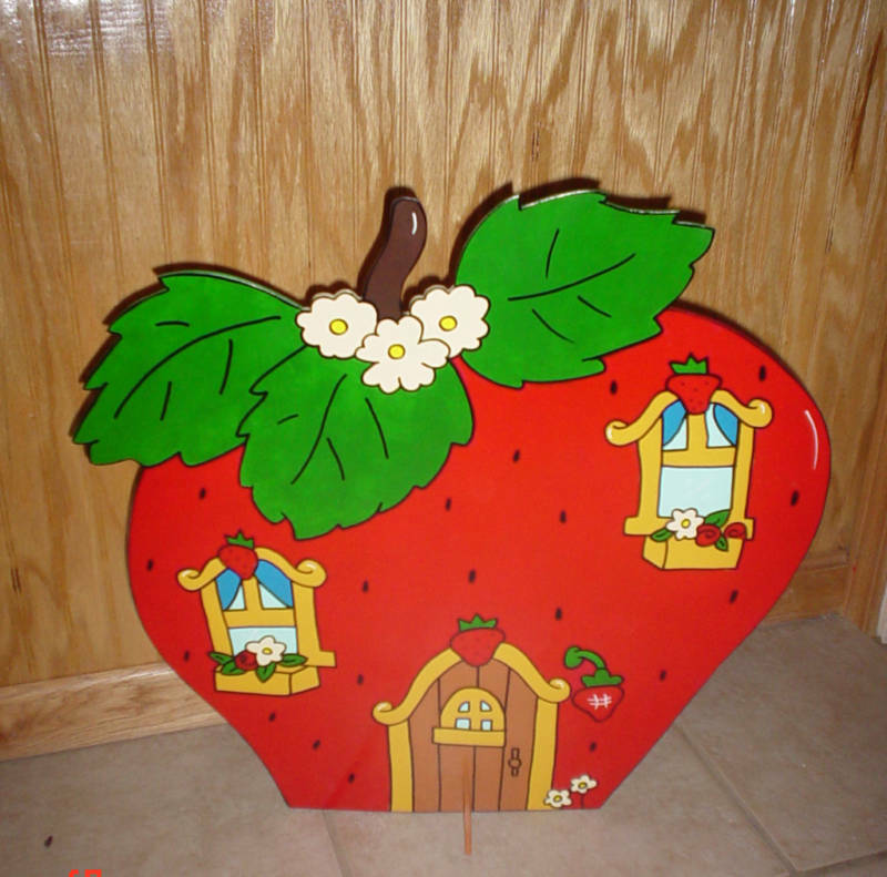 Strawberry shortcake house children s birthday party table