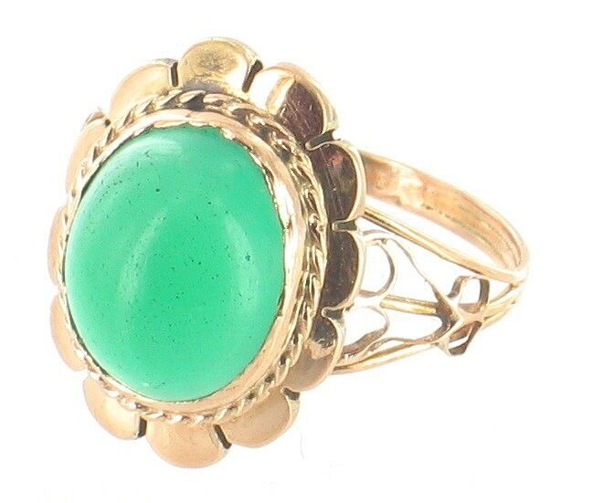 antique 18k gold oval chrysoprase filigree scalloped ring