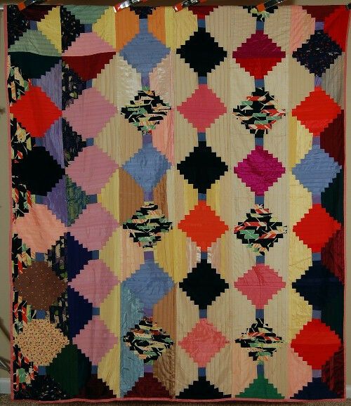 Light dark log cabin antique quilt great vintage for What to do with an old quilt