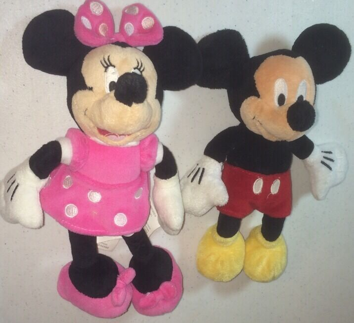 disney store 9 5 classic mickey minnie mouse plush. Black Bedroom Furniture Sets. Home Design Ideas