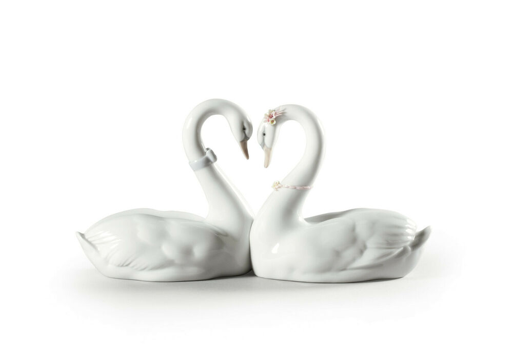 Lladro 6585 Endless Love Kissing Swans Brand New In Box