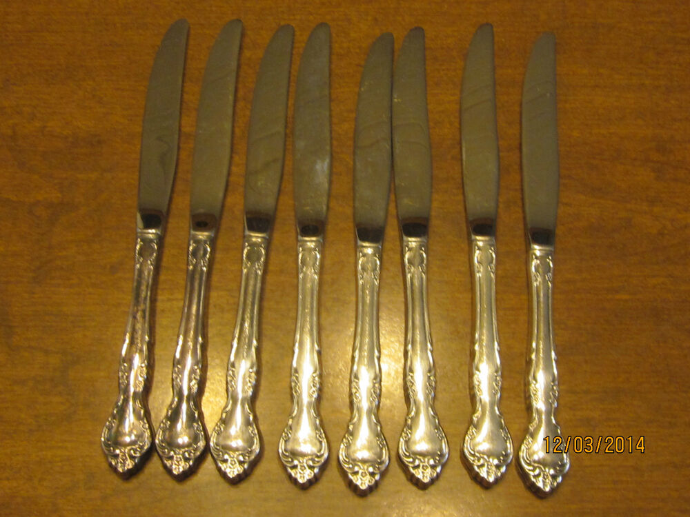 Vintage 8 Oneida Community Silverplate Dinner Knifes 1960