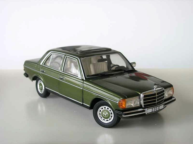 revell 1983 mercedes benz 230e w123 green metallic le of 1000 1 18 new item ebay. Black Bedroom Furniture Sets. Home Design Ideas