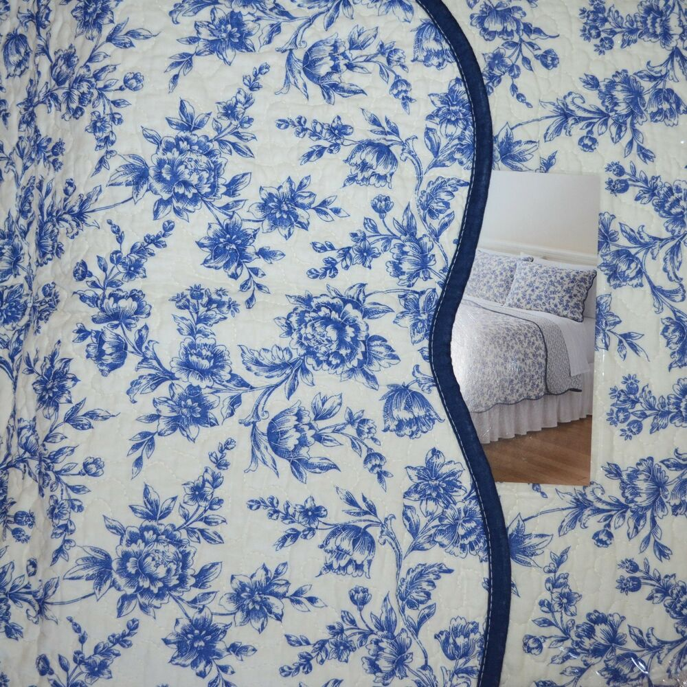 Blue Cream White Toile Floral Reversible 3pc Full Queen