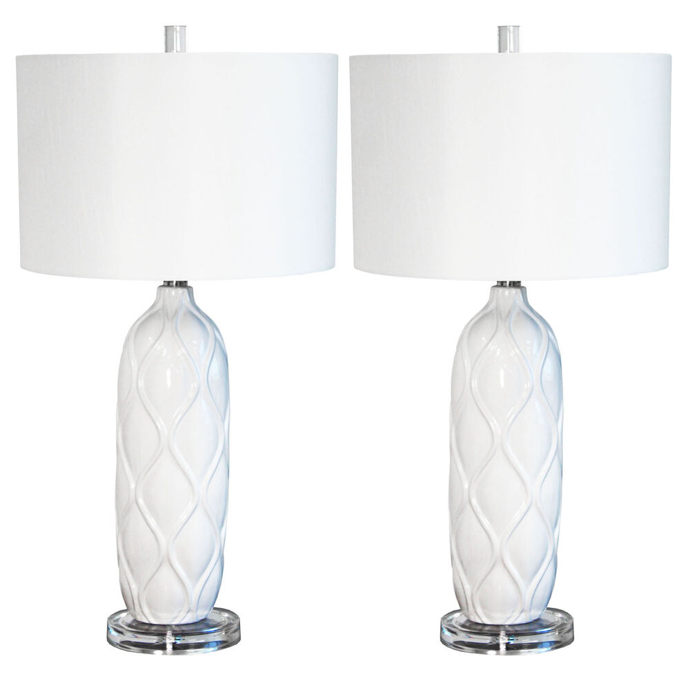 urban designs white waved ceramic 26 table lamp with shade set of 2 ebay. Black Bedroom Furniture Sets. Home Design Ideas
