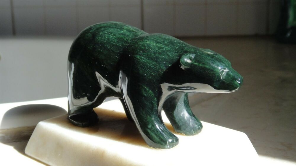 Canada Canadian Eskimo Inuit Sculpture Carved Green Jade