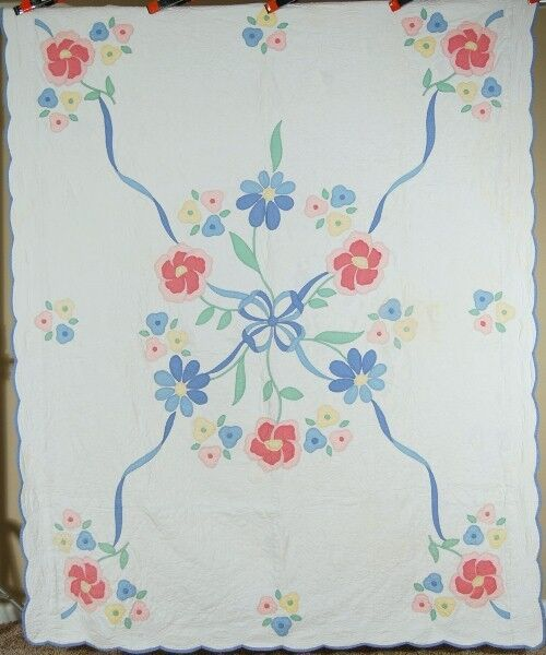 NICELY QUILTED Vintage 30's Blue Ribbon & Flowers Applique