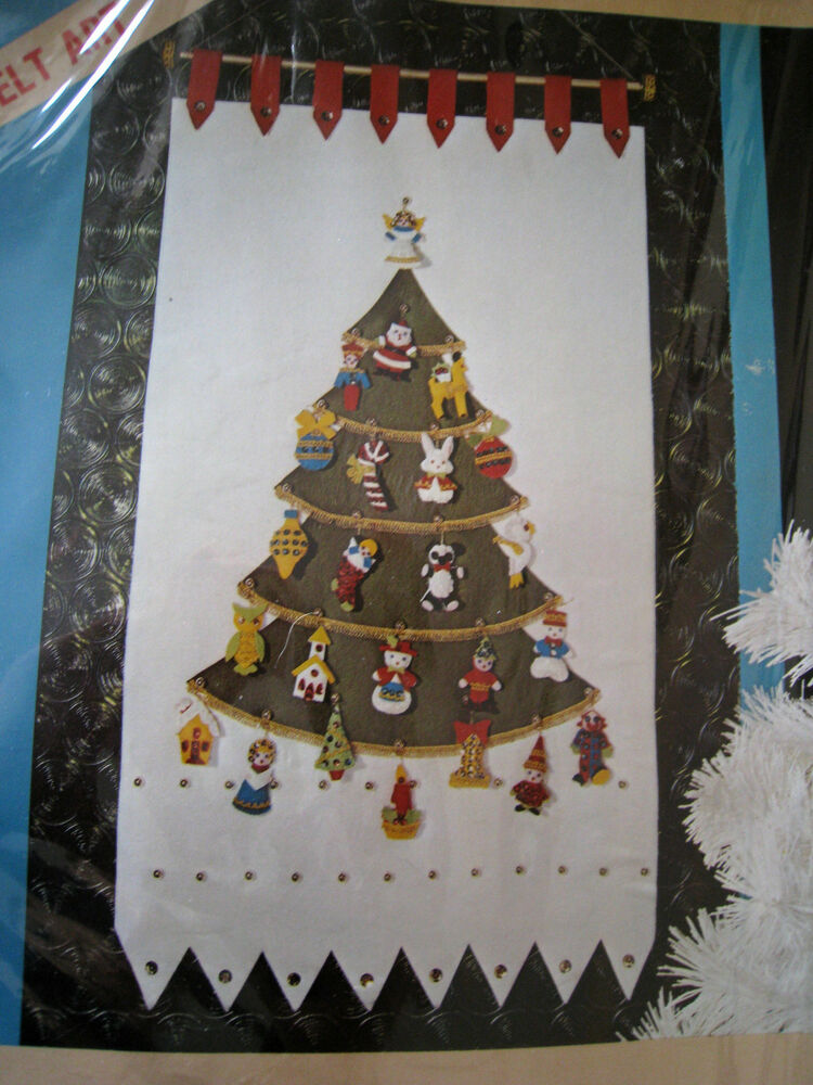 Decorating Ideas > LeeWards Felt Applique Holiday Craft CALENDAR Kit  ~ 074301_Christmas Decoration Craft Kits