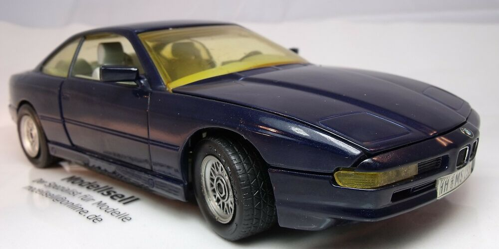bmw 850i von revell im ma stab 1 24 modellauto coup ebay. Black Bedroom Furniture Sets. Home Design Ideas