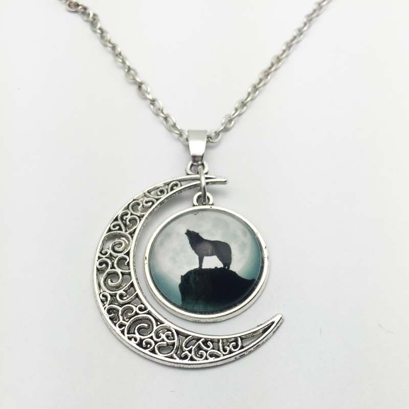 vintage wolf cabochon silver plated chain necklace