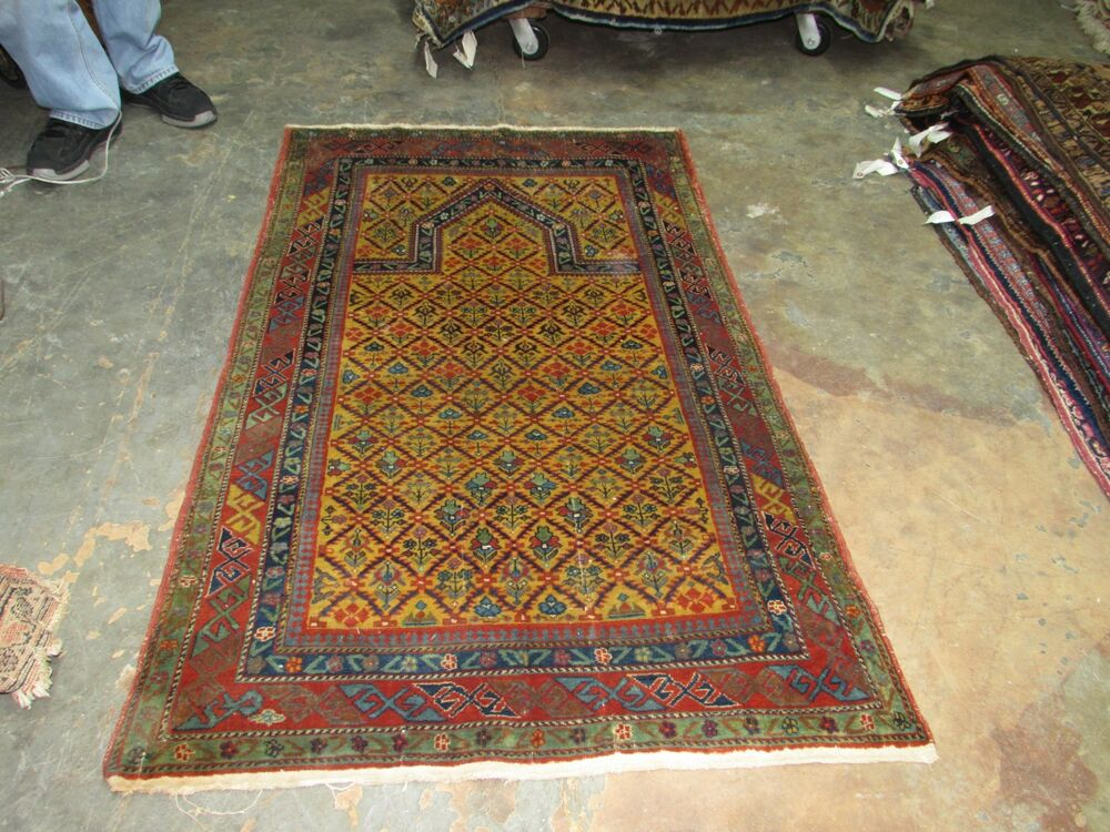 Antique Russian Dagestan Hand Knotted Wool Prayer