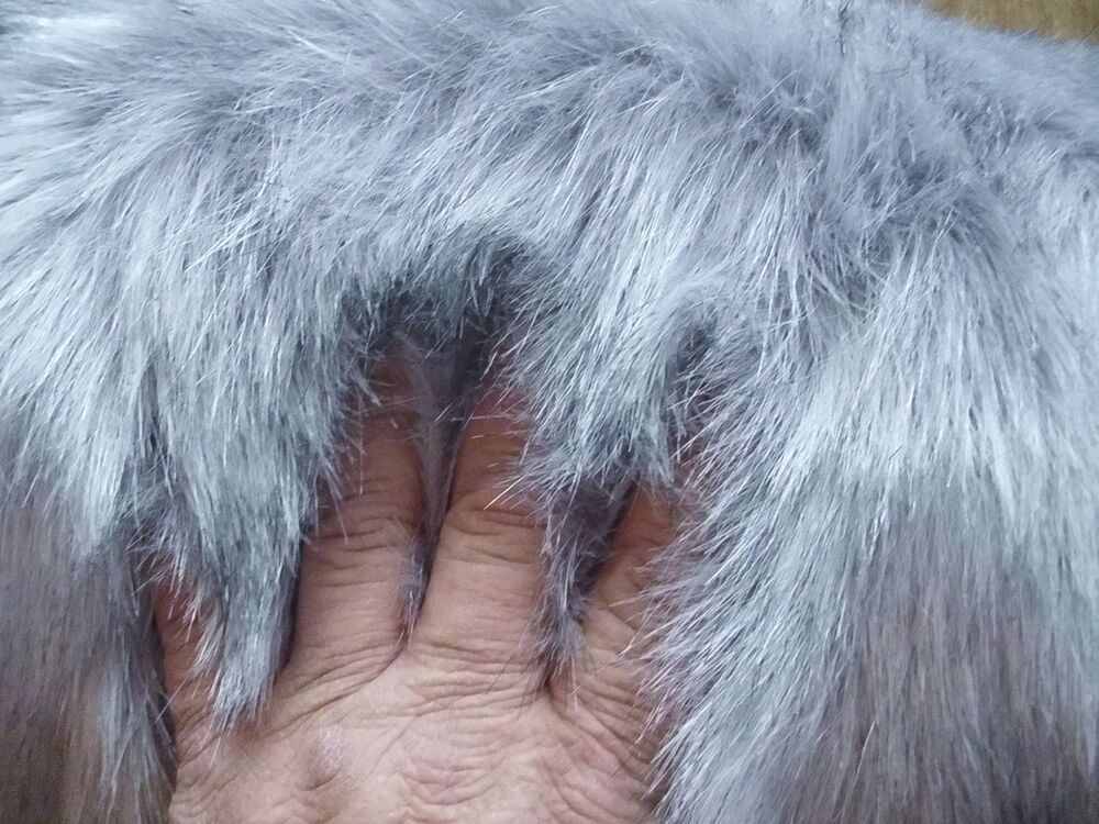 Luxurious 2 Quot Faux Fur Light Gray Looks Like Grey Wolf