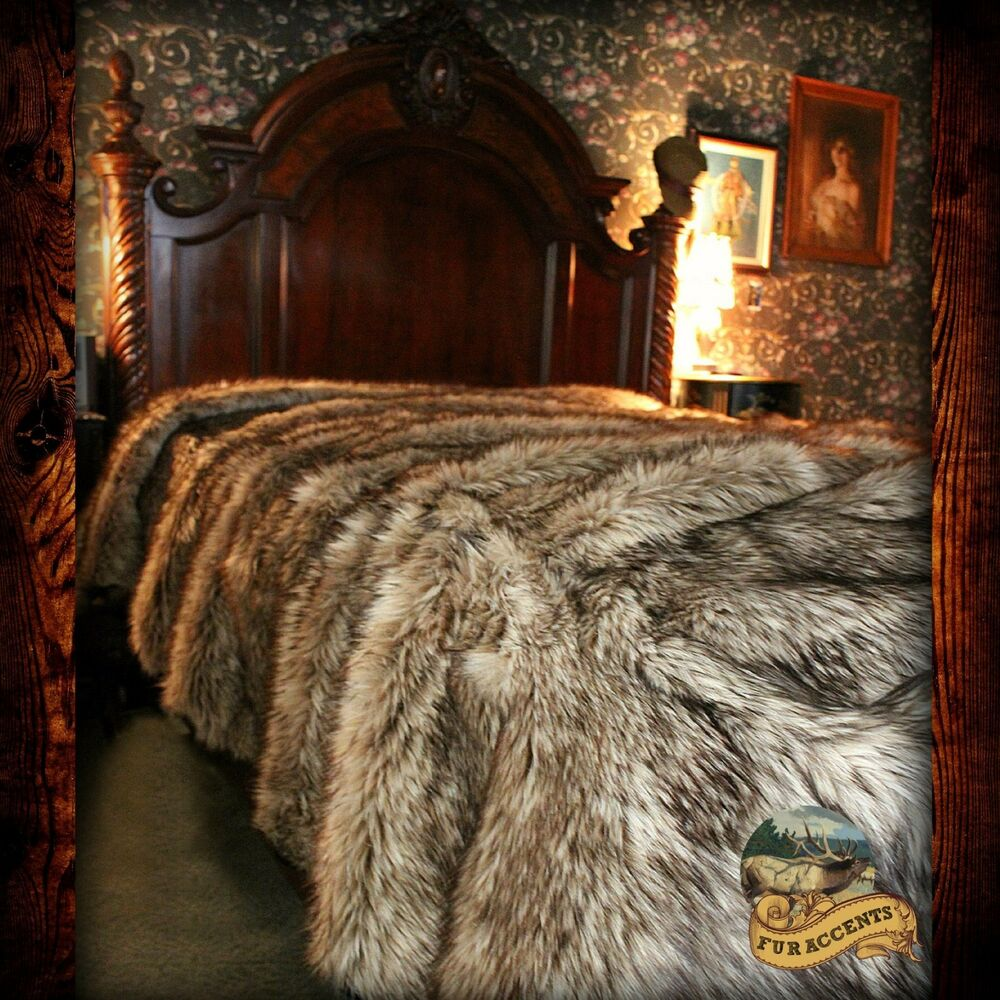 Light Wolf Bedspread Plush Faux Fur Bear Skin Sheepskin
