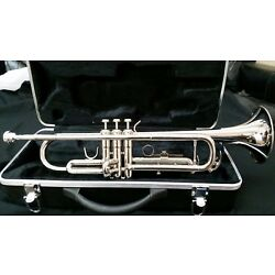 Kyпить Bb TRUMPET-BANKRUPTCY-NEW STUDENT TO ADVANCED BAND CONCERT SILVER TRUMPETS   на еВаy.соm